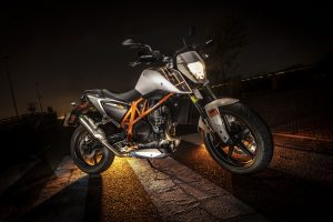 KTM Duke 690 14mm f-2.8 Exp69seg ISO200